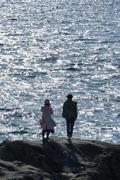 海見つめる二人
