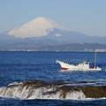 Photos: 漁船と富士山