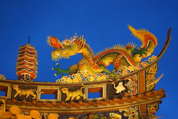 関帝廟の龍