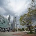 Photos: 春の桜木町駅前