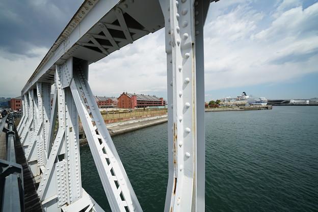 90402鉄橋と赤レンガ倉庫