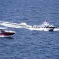Photos: 疾走する船