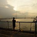 落日の釣り人