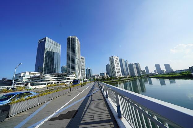 横浜駅東口周辺