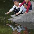Photos: 釣りする兄弟