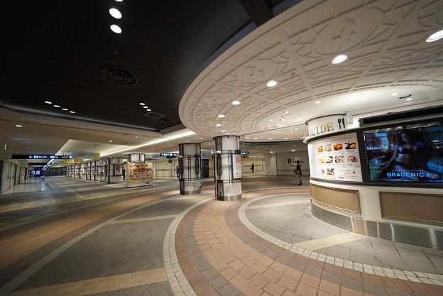 横浜駅東口地下街