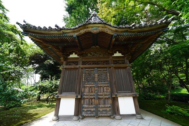 旧天寿寺寿塔覆堂