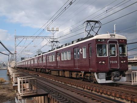 阪急7000系特急 阪急神戸線十三~中津