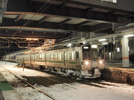 719系 奥羽本線米沢駅