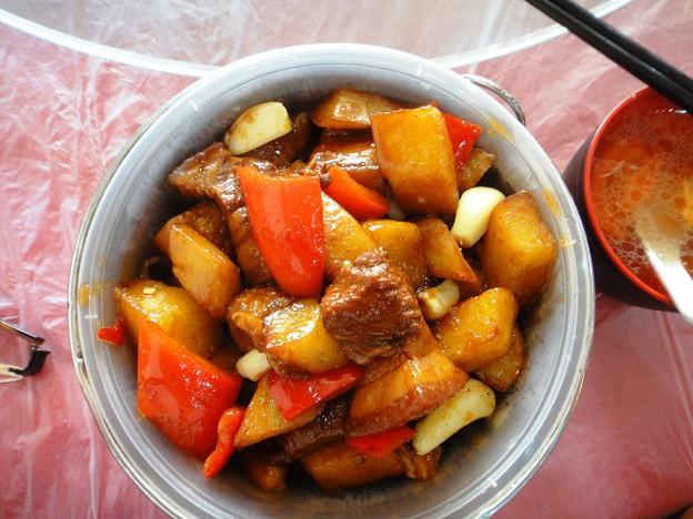 湘香縁 紅焼肉上土豆木桶飯