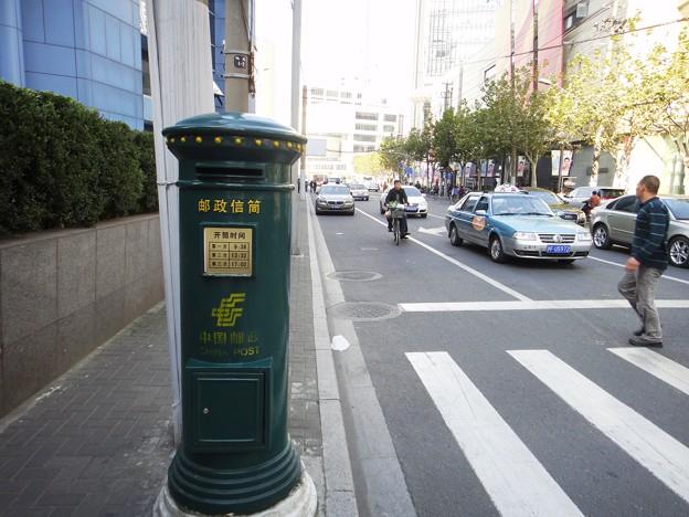 緑の郵便ポスト