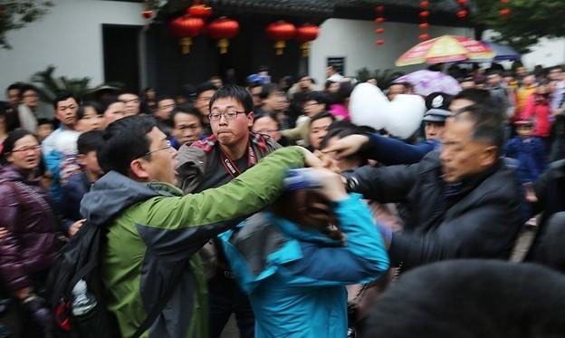 紹興 魯迅故宮で旅行客の喧嘩 (2)