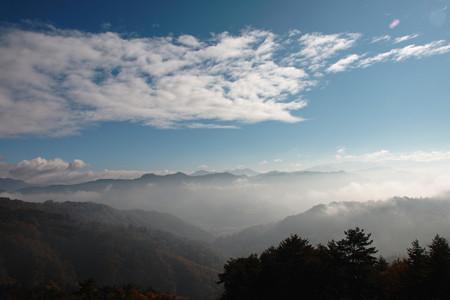 秋の早朝の大峰高原より