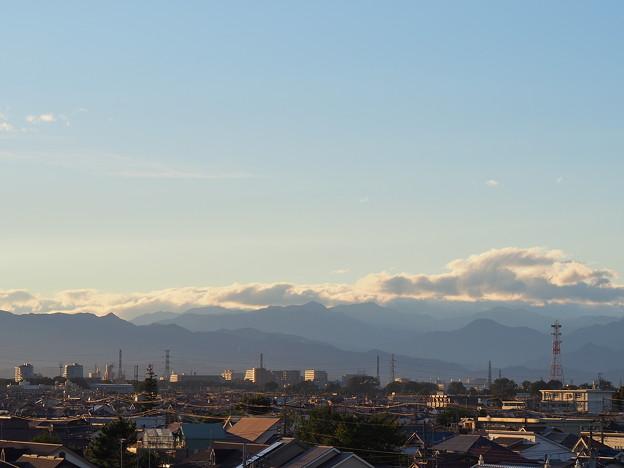 「台風一過の空と雲と山並」