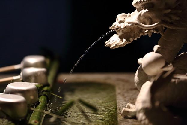 田無神社の手水舎