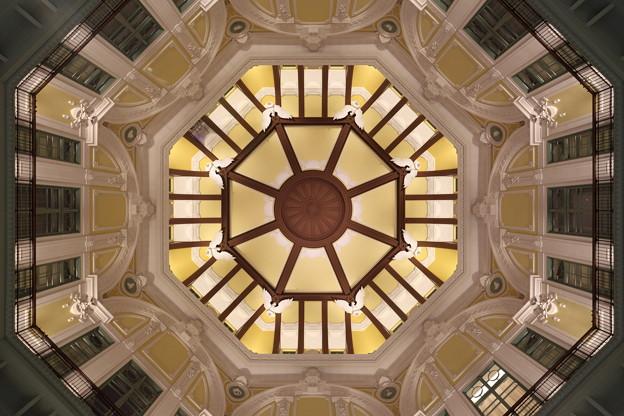「丸の内駅舎の天井・北口」