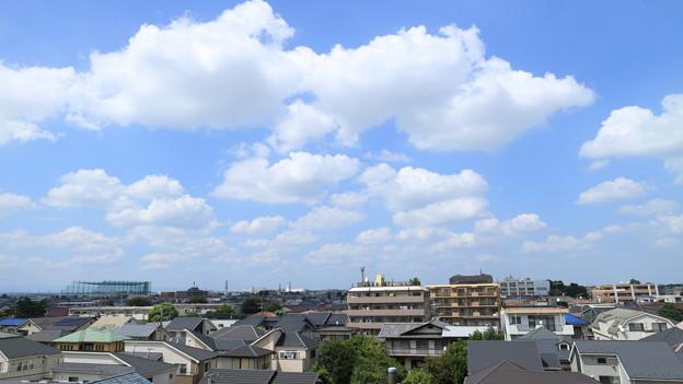 真夏の午後の雲