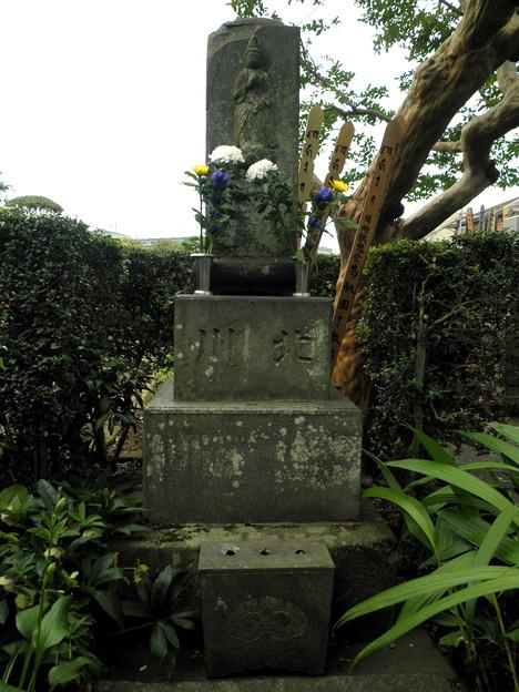 烏山寺町-03専光寺・喜多川歌麿の墓b