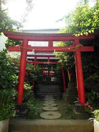 天神通り商店街-05伏見稲荷神社