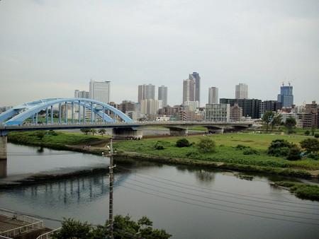 浅間神社-12テラスからの多摩川a