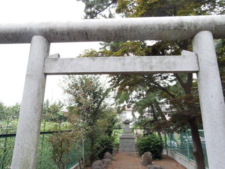伊豆美神社(狛江)-10御霊神社b