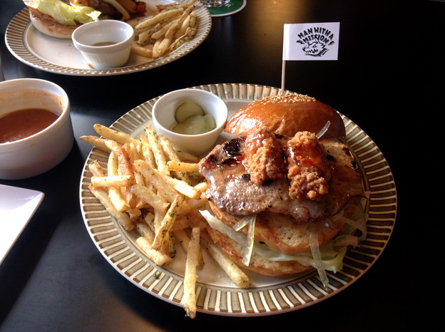 MAN WITH A MISSION SPECIAL BURGER