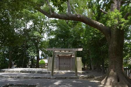 清野井庭神社1