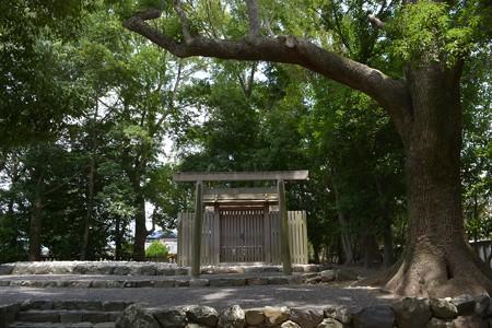 清野井庭神社3