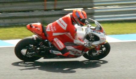 58_65_stefan_bradl_viessmann_kiefer_racing_kalex_2011_rd15