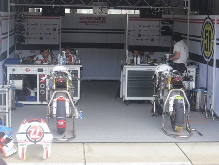213_gresini_racing_moto2_moriwaki_2011_rd15_