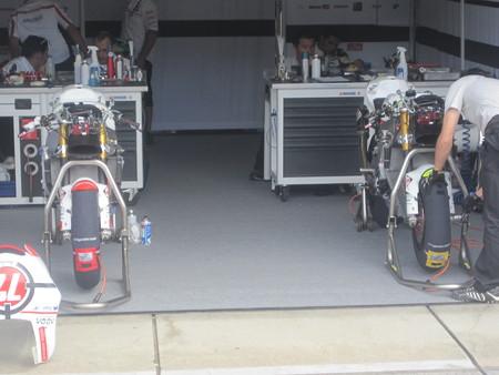 216_gresini_racing_moto2_moriwaki_2011_rd15_