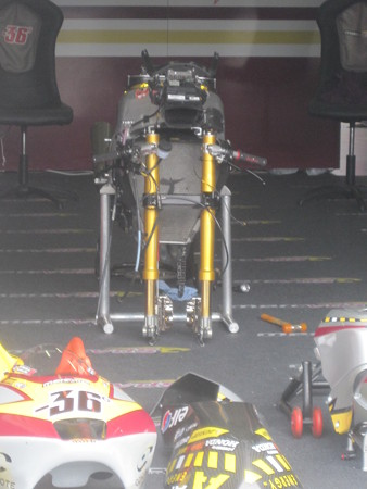 524_vds_racing_team_moto2_suter_2011