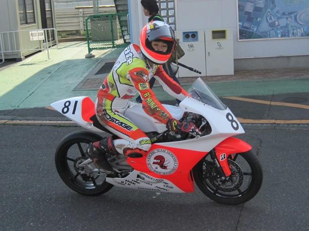 写真: 240_08 81 高橋 颯 レーシングチームハニービー NSF250R