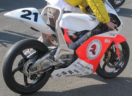 273 21 渥美 心 レーシングチームハニービー NSF250R