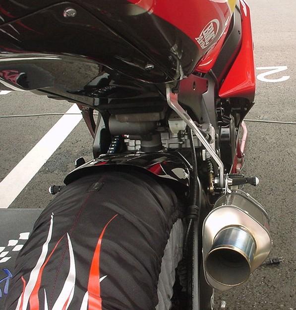 写真: 05_2005_atushi_watanabe_yoshimura_suzuki_jomo_with_srixon_racing_team