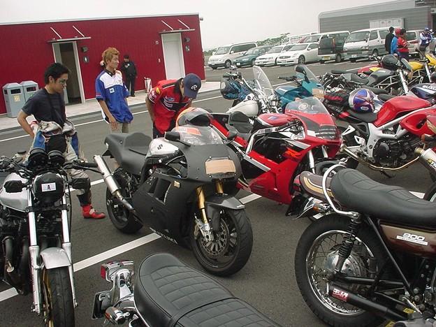 写真: 15_2005_atushi_watanabe_yoshimura_suzuki_jomo_with_srixon_racing_team