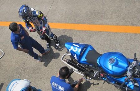 16 2013 J_GP2 12 中本 郡 レーシングチーム OutRun YZF-R6