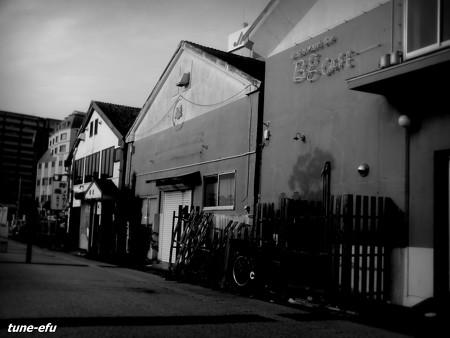 海辺の倉庫