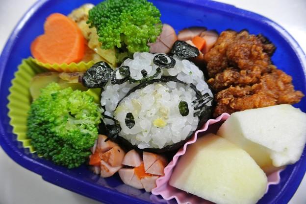 写真: 10月2日(水)「パンダキティ(かぶりものキティ)弁当」