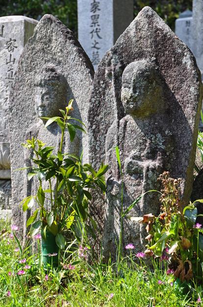 阿弥陀如来と地蔵石仏