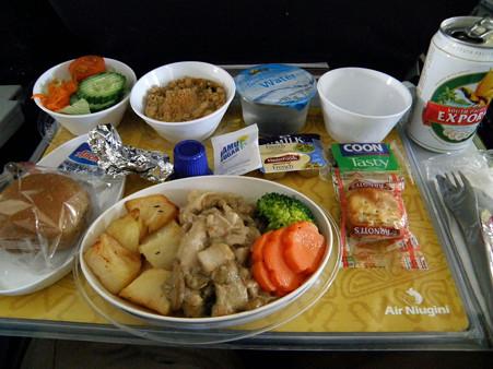 ニューギニア航空 機内食