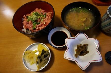 昼食(ネギトロ鮪丼)