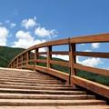 写真: 木曽の大橋と青空