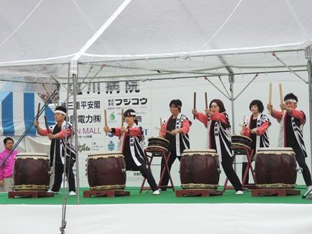 オープニングで鈴鹿太鼓の演奏。