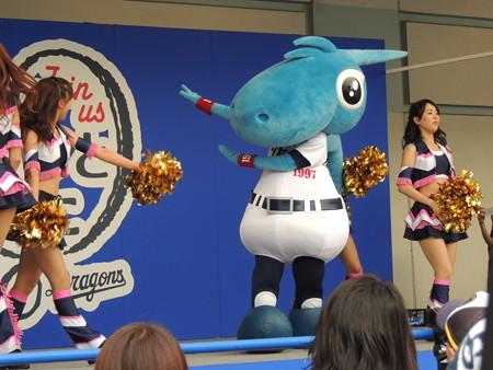 10/5(土) 横浜戦のドリームスターズパーティーでドアラもあたふた・・・。