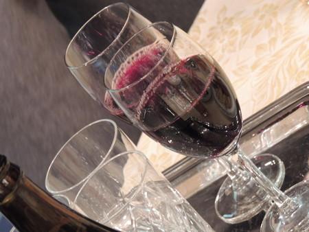 ワインとかもありますよ。
