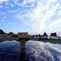 写真: 橋杭岩と日の出とダンボー