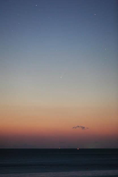 アイソン彗星 太平洋に昇る