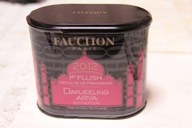 「フォション 2012 ファーストフラッシュ ダージリン アリヤ農園」の缶