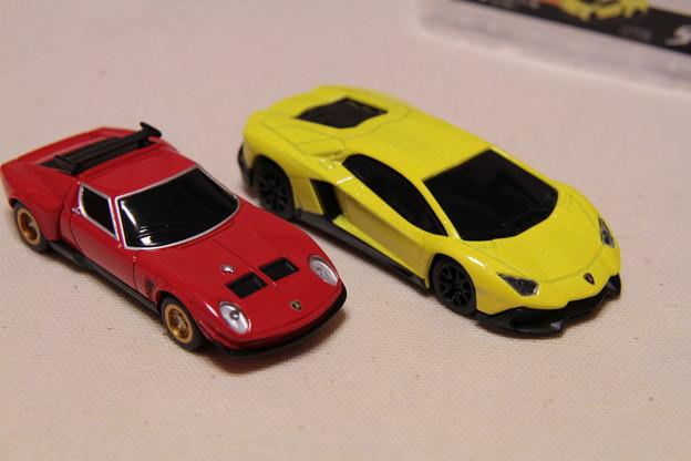 UCC Lamborghini 50th Anniversary SpecialCar Cokkectionの2台を並べて